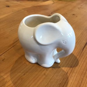 Planter – Ceramic Elephant 4″ (One Unplanted)